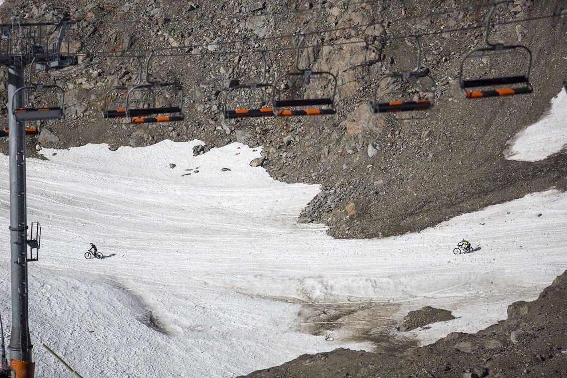 Schon am Ende des Gletschers hatte sich das Feld weit auseinandergezogen, was zum Glück dann auch mal Raum zum Durchatmen ließ