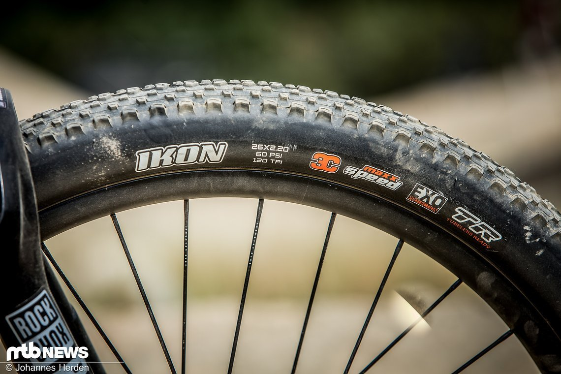 Die Maxxis Ikon-Reifen bieten mehr Grip als der DTH, den der Schwede eigentlich fährt