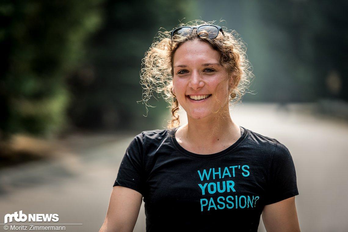 Aktuell liegt Ines auf Platz 3 in der Gesamtwertung der Enduro World Series und konnte außerdem vor kurzem das legendäre Etappenrennen Trans-Provence gewinnen