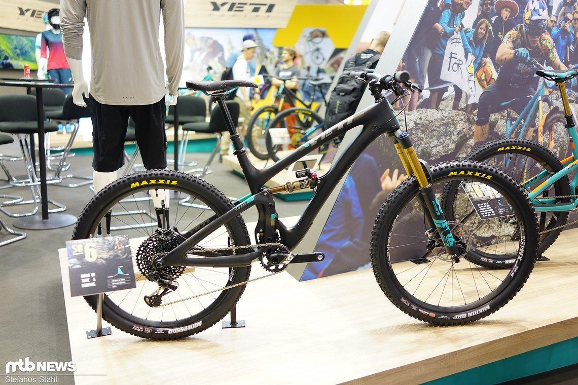 Das SB6-Komplettrad ist mit einer 160 mm Fox 36 ausgestattet