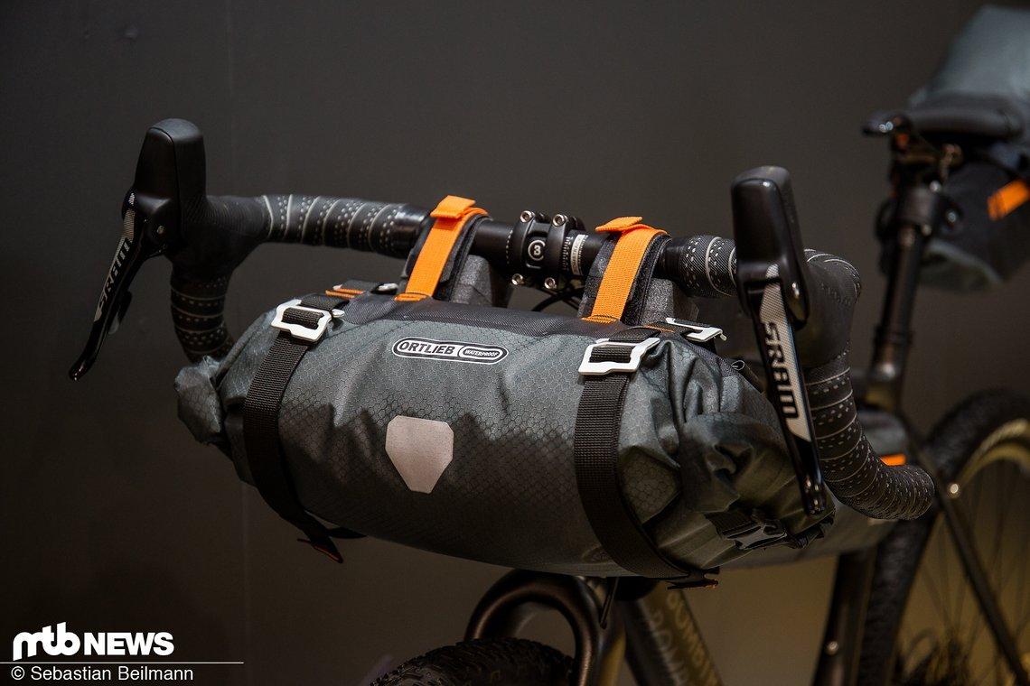 Das Ortlieb Handlebar Pack S mit 9 l Volumen und einem Gewicht von 375 g ist für 99,99 €erhältlich