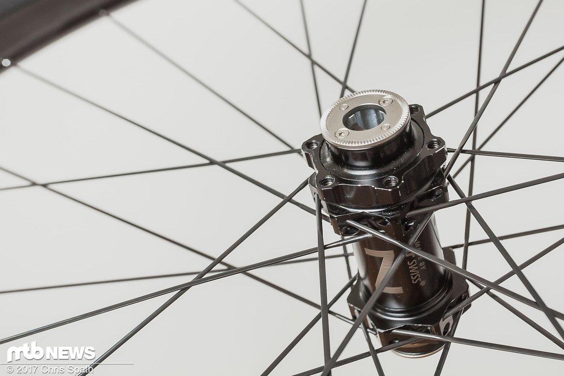 Die Naben des Laufradsatzes stammen aus dem Hause DT Swiss und sind erfahrungsgemäß sehr unkompliziert in der Handhabung