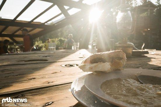 Frühstück im Sonnenaufgang