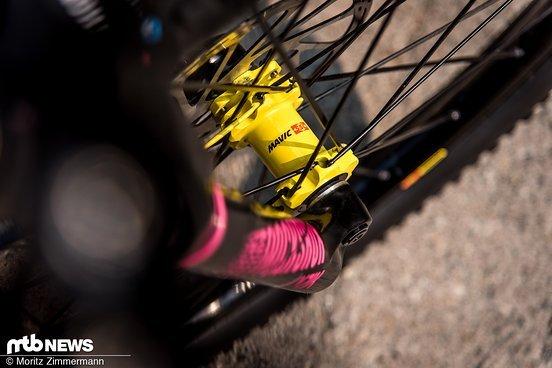 Insgesamt bevorzugt Ines Aluminium-Laufräder gegenüber Carbon-Varianten, wenngleich diese etwas schwerer sind