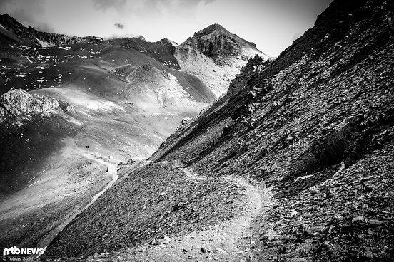 Die alpinen Trails fordern durchaus etwas Feingefühl auf dem Bike